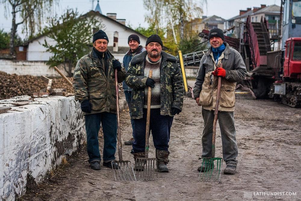 Рабочие Ильинецкого сахарного завода